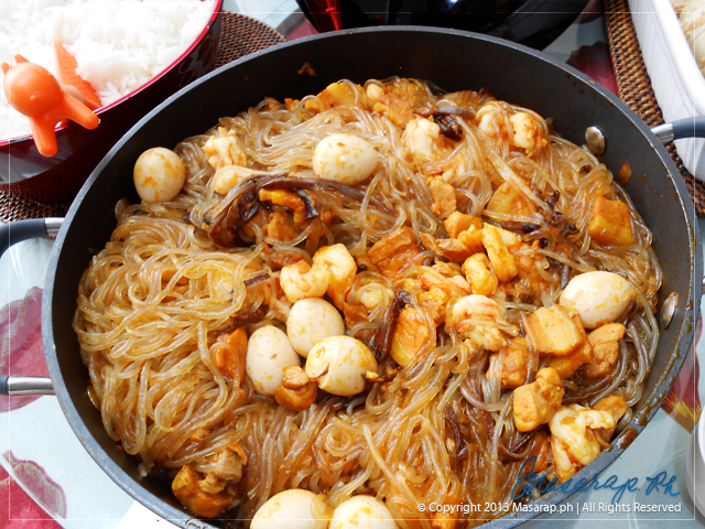 Sotanghon Guisado (Sautéed Glass Noodles)